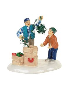 Department 56 4058668 Clark & Rusty Continue Tradion